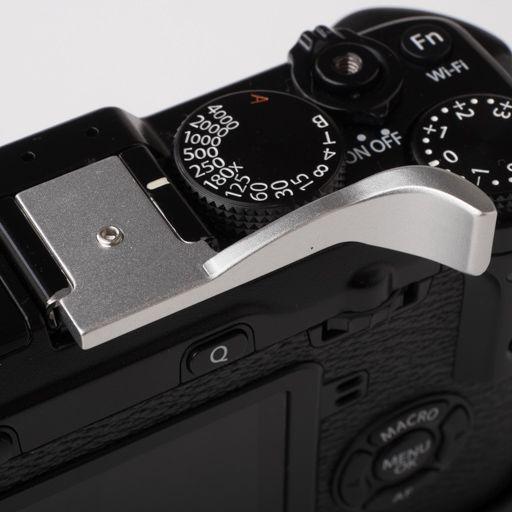 fujifilm-x100-xe-thumb-grip-silver-3