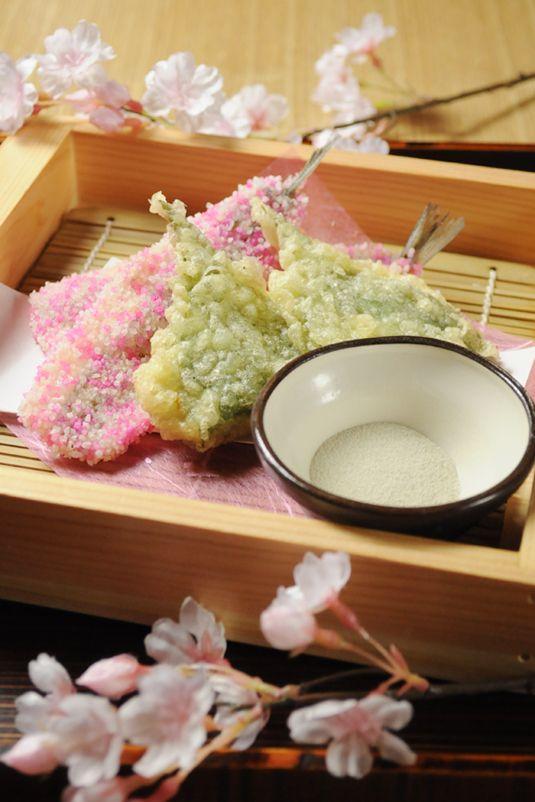 桜の名所「うえの桜まつり」に合わせて【かまくら上野店】では本物の桜を使用した特別メニューを4/12(日)まで特別販売しています♪