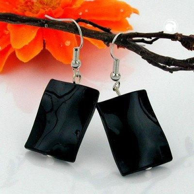 Black cushion-shaped earrings is a  Cushion-shaped earrings with a beautiful black and shiny surface. The hooks are made of white bronze brass. http://www.facebook.com/ModeSmykker