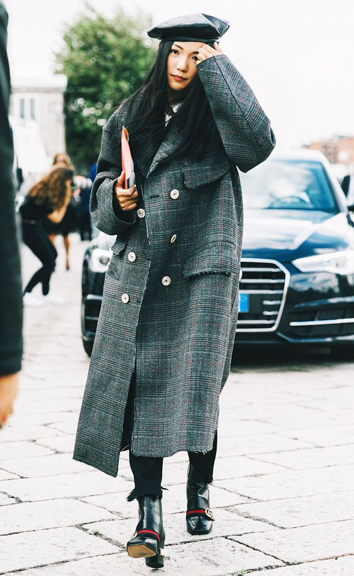 Beret + Oversize Coat + Skinny Jeans + Boots: Wear an oversize coat with skinny jeans to balance out the proportions. The beret adds that certain je ne sais quoi.