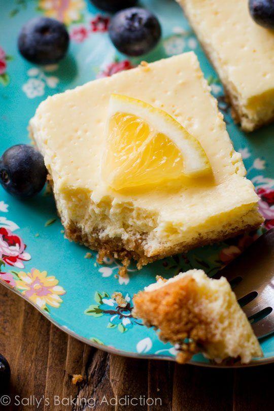 Lightened-up lemon goodness in this easy recipe for protein-packed 130 calorie greek yogurt lemon bars!