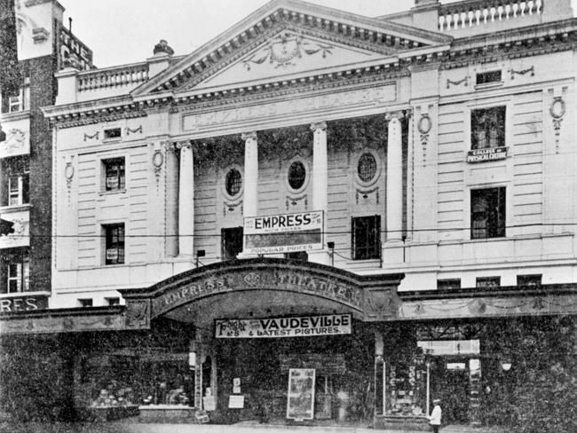 Chapel St in the 1930s. Picture: Herald Sun Image Library