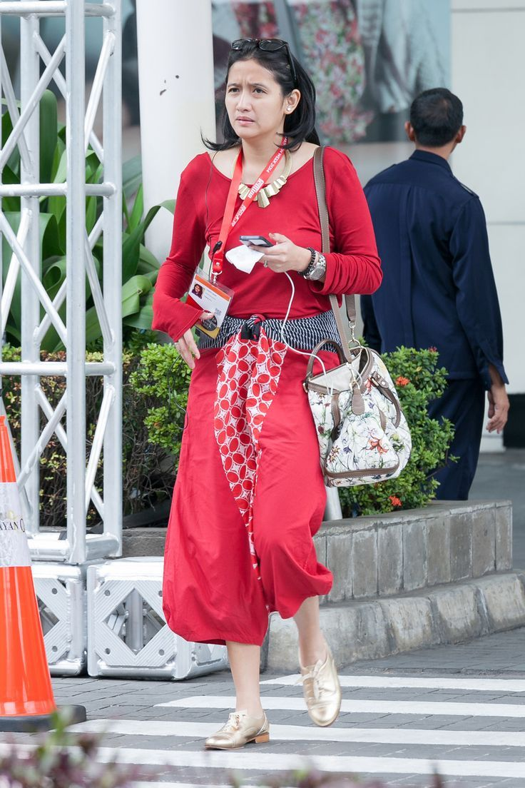 lady in red. (love the style)