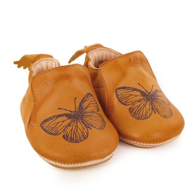 de jolis chaussons souples en cuir pour apprendre se tenir debout ou commencer marcher. Black Bedroom Furniture Sets. Home Design Ideas