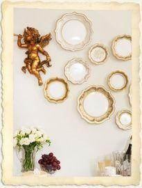 Bijna te mooi om te gebruiken deze gouden papieren serveerborden. Geweldig om je sandwiches, cupcakes op te dienen of te gebruiken bij een afternoon tea of op je bruiloft. Of gebruik ze als decoratie en plak ze op de muur!