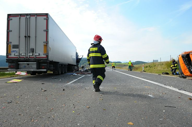 highway car accident