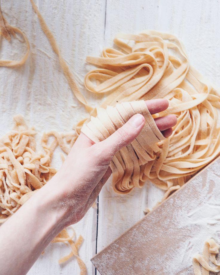 OLYMPUS ,pasta, food photoraphy , food styling , on the table , pasta in the making, italian  , Домашняя паста ,фетучини , фудфто, фуд стайлинг, фото еды, food blog