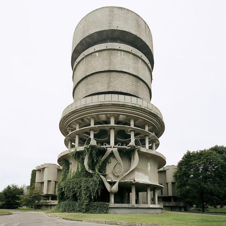 Balneological Hospital, Druskinninkai, Lithuania, 2003 (destroyed). © Nicolas Grospierre source