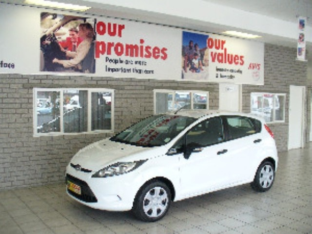 Ford Fiesta 1.6 Ambiente Powershift