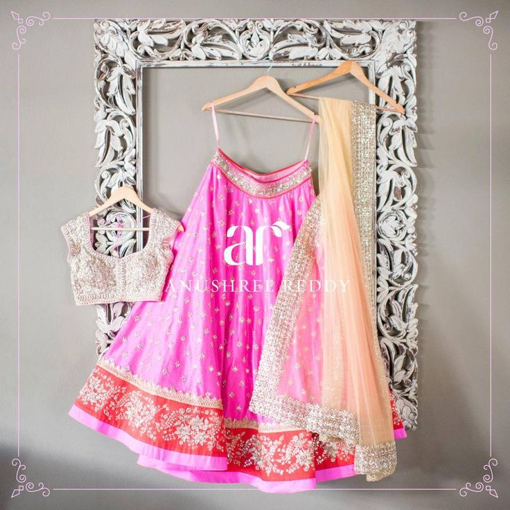 The excellence of Hyderabad designer's craftsmanship spills all over. The high end designer labels Anushree Reddy offer the assortment of wedding couture that reflects the perfect blend of elegance and chic.