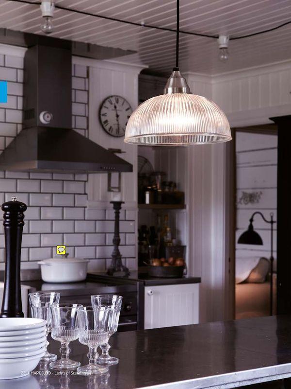 Industriell och stilren takpendel med effektfull glaskåpa. Upphäng i satin/nickel.Finns även matchande fönsterlampa. https://buff.ly/2xj1aLP?utm_content=bufferfecda&utm_medium=social&utm_source=pinterest.com&utm_campaign=buffer