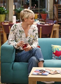 Kaley Cuoco's Hair HowTo</tr> 				<tr> 					<td class=author>CarrieThayer - Copyright - All Right  					Reserved KaleyShortHair-18