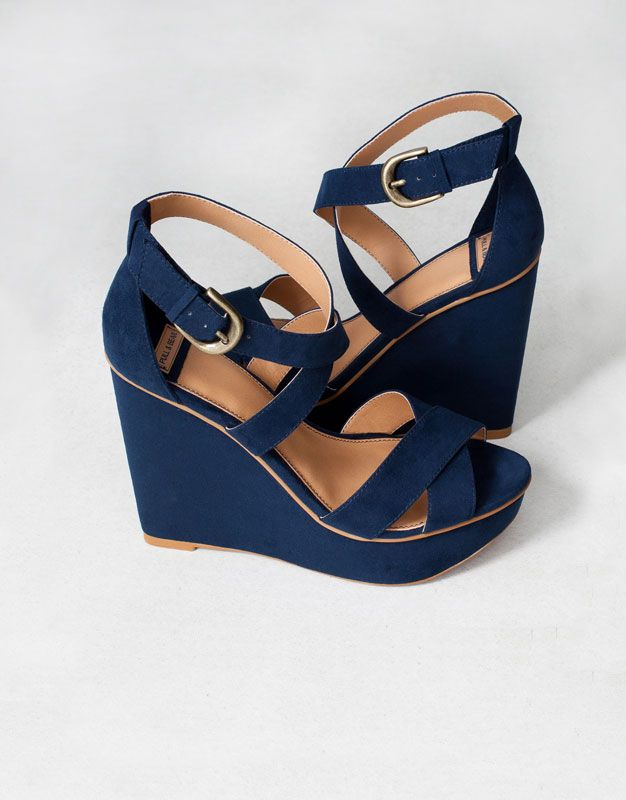 :CROSSOVER STRAP WEDGES