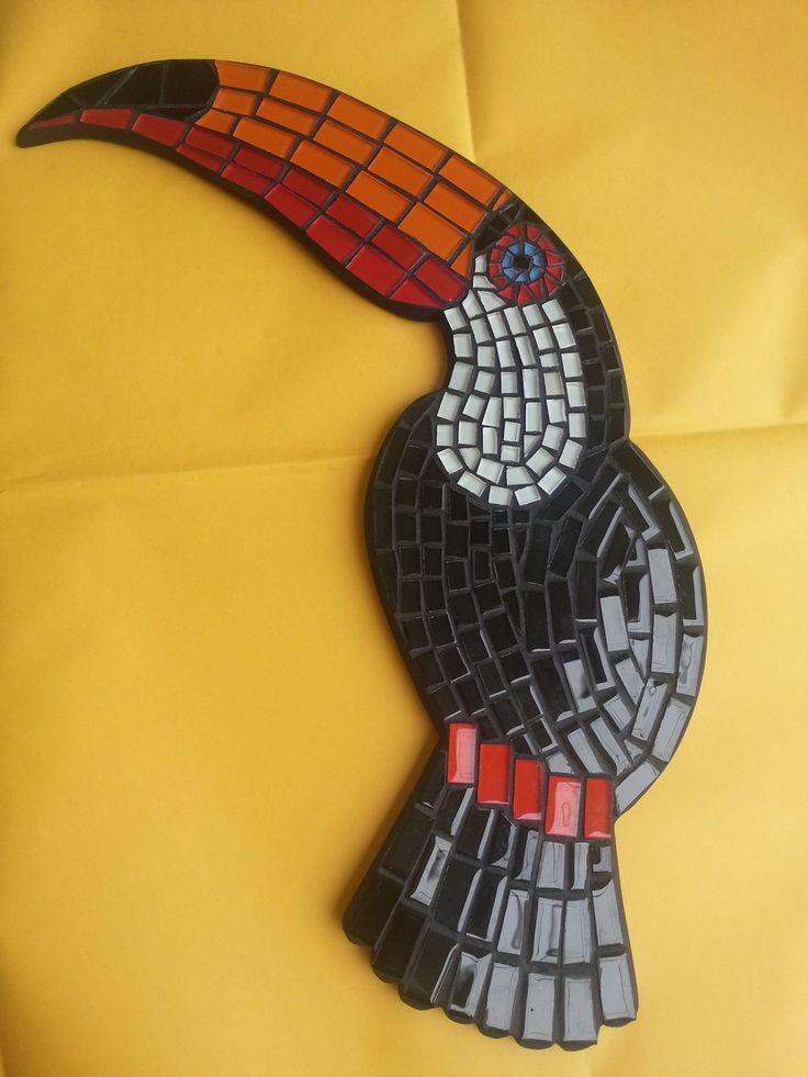 Mosaico passaro tucano