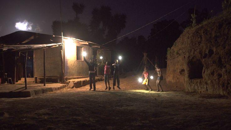 Colibrí es un proveedor de energía solar para hogares de bajos ingresos y sin acceso a la electricidad en América Latina.