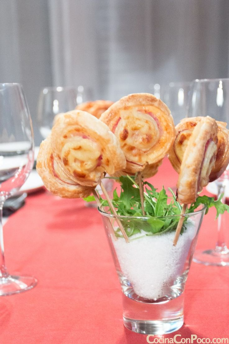Puff pastry lollipops with york ham and cheese