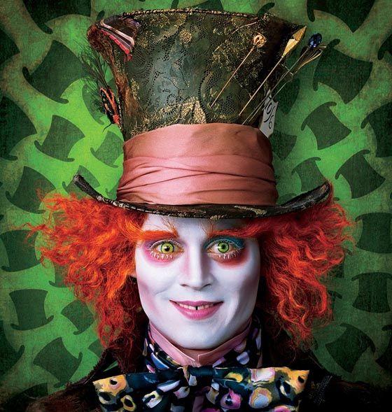 """Chapeleiro malucoé o nome do personagem criado pelo escritor Lewis Carrol para o livro Alice no País das Maravilhas (Alice in Wonderland). O nome """"Chapeleiro Louco"""" foi baseado na fras…"""