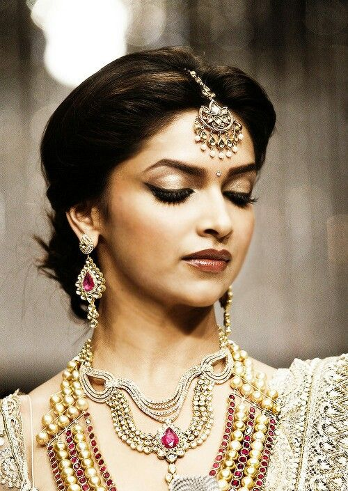 Cute Deepika Padukone.. For More: www.foundpix.com #Deepkia #DeepikaPadukone #Bollywood