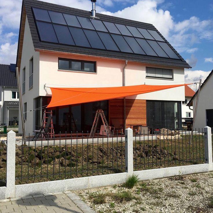 das manuell aufrollbare sonnensegel soliday m von ferobau kann bis zu 65 m2 schatten bringen. Black Bedroom Furniture Sets. Home Design Ideas
