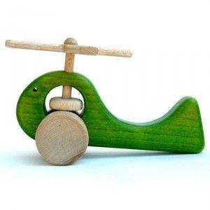 Helicóptero de madera natural, teñido con tintes no tóxicos y tratados de forma natural con cera de abeja. http://www.artesania-alla.es