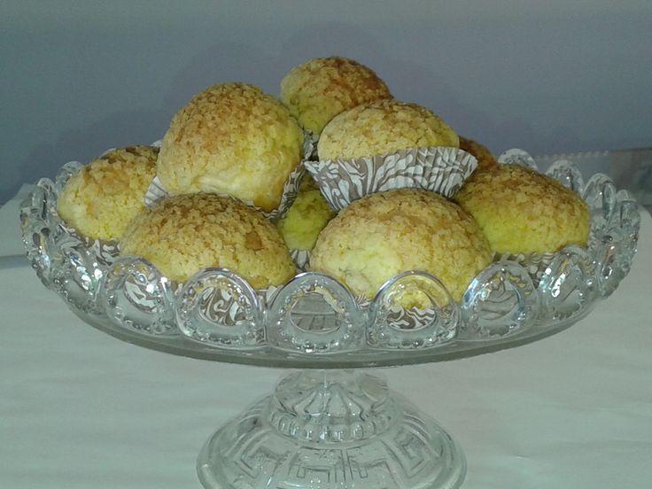 Σου με κρέμα λεμονιού, lemon curd choux at www.kallivroussis.gr