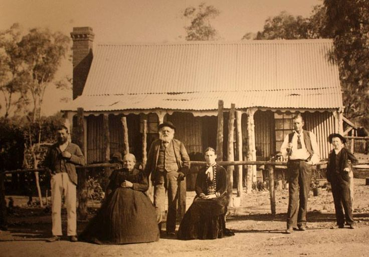 How's this for a vintage pic....Cobar settlers from 1898. Do you have a photo older than this? #vintagecobar #flashbackfriday  http://southernson.com/australia/nsw/cobar/early-cobar-settlers-weltie-family-1898.htm