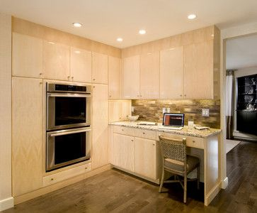 I Like The Backsplash With The Maple Cabinets Remodeling Ideas Pinterest Maple Cabinets