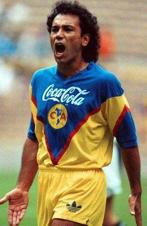 Hugo Sánchez (Club América, 1992–1993, 29 apps, 11 goals)
