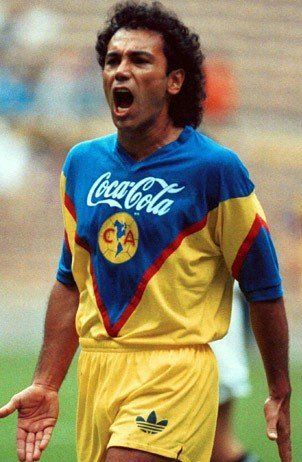 Hugo Sánchez (Club América, 1992–1993, 29 apps, 11 goals)