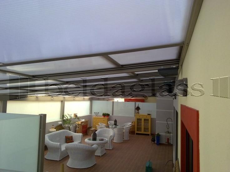 Cerramiento de terraza compuesto de techo movil deslizante de policarbonato