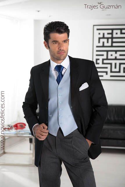 Traje de novio con chaqueta negra, pantalón gris, chaleco y corbata en favorecedores tonos azules. Trajes Guzmán colección novios 2013/ SANDRA & VERONICA WEDDING PLANNERS