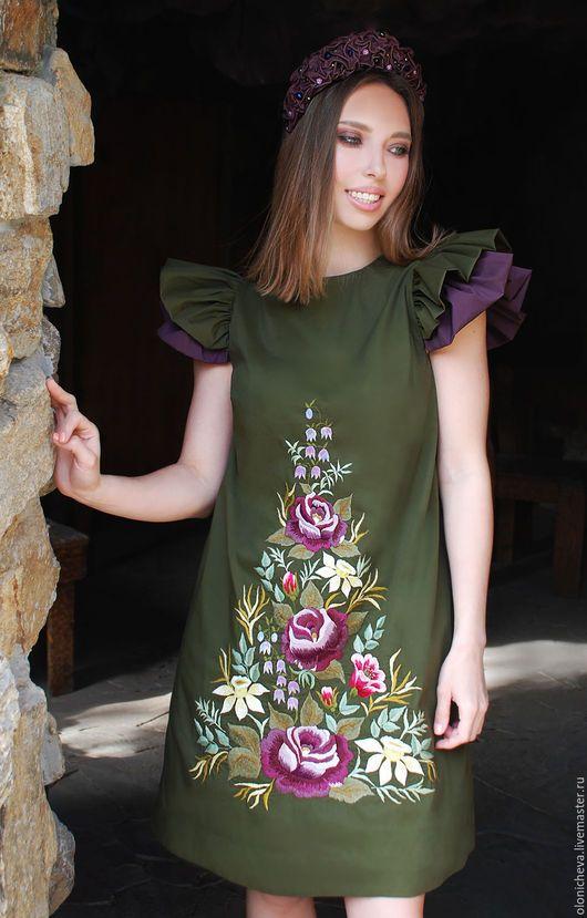 Платья ручной работы. Эксклюзивное платье с ручной вышивкой