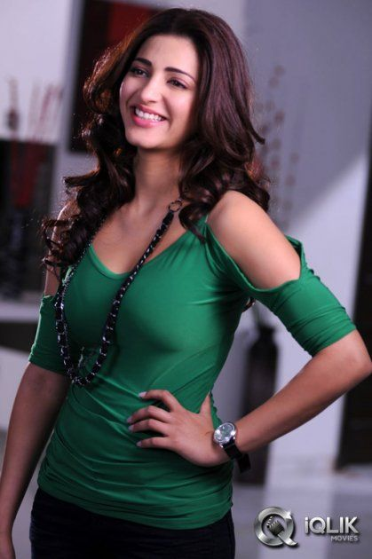 Shruti Hassan Latest Photos http://www.iqlikmovies.com/gallery/Shruti-Hassan/gallery/ACTRESS/0