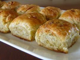 Τυρόπιτα 'χίλια' φύλλα - με σπιτικό φύλλο βέργας | TasteFULL