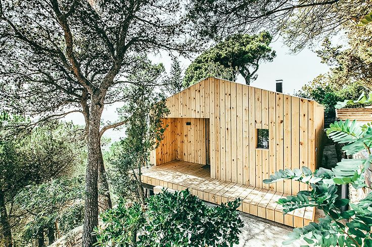 Simple and form and materials, the Wood Studio House is designed to be eco-friendly in every aspect, from the direction it faces to the placement of the windows. It's set on a hill above a town north of Barcelona, and...