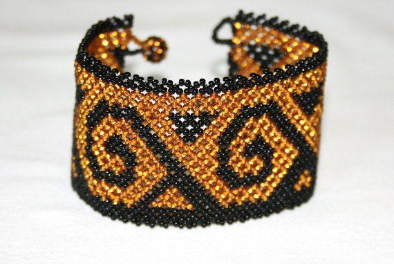 Mexican Black and Gold Bracelet, Huichol Beaded Cuff Bracelet, Native American Beadwork, Huichol Bracelet, Huichol Jewelry, Nahuatl Bracelet