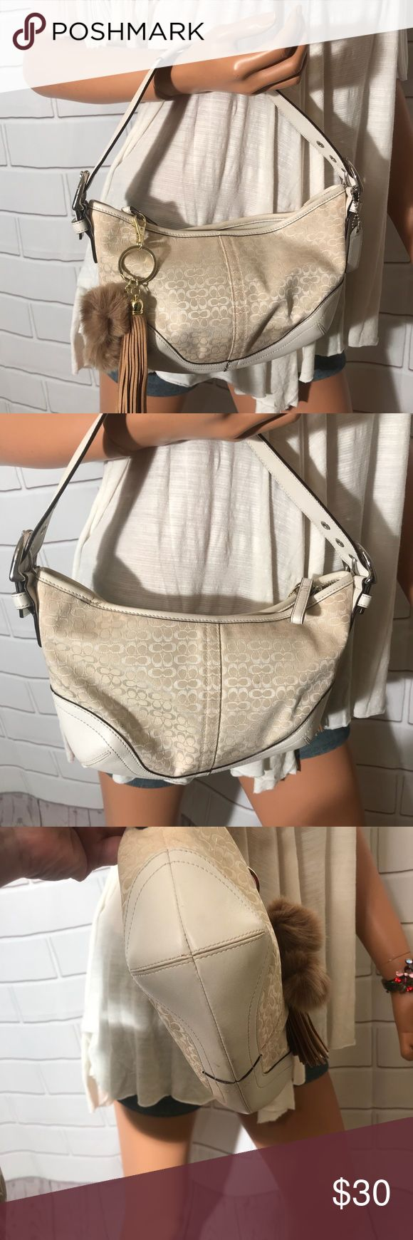 Classic Coach Hobo Signature Bag Color cream Color for 2018 Zipper closure  Include Coach hangtag Include free Pom Pom Inside brown lining Inside zipper pocket Excellent preowned condition   Thank you for looking Coach Bags Satchels
