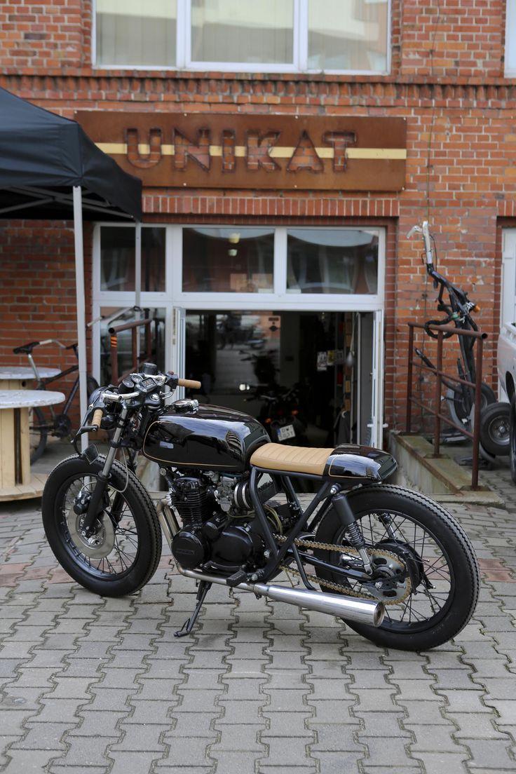 Honda CB 350 Noir - the sexiest cafe racer custom.