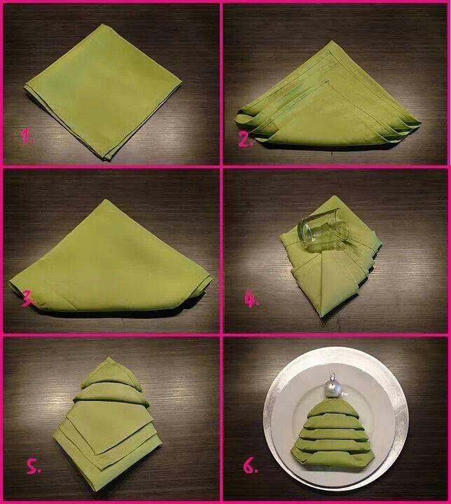 Napkin folding Christmas