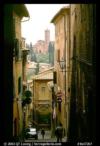 SienaNarrow Street, Travel Time, Siena Tuscany, Favorite Places, Dreams Vacations, Places I D, Tuscany Italy, Siena Italy, Dreams Destinations