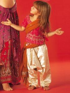 burda style: Fasching - Kinderkostüme - Kinder-Klassiker - Mädchen-Sarouelhose - Fasching
