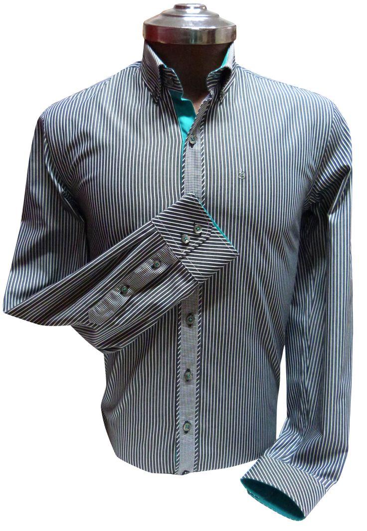 Camisa negra y Rayas blancas  - Slim Fit 100% algodón, contraste Verde Agua y cuello button down. Ehgho - Perú.