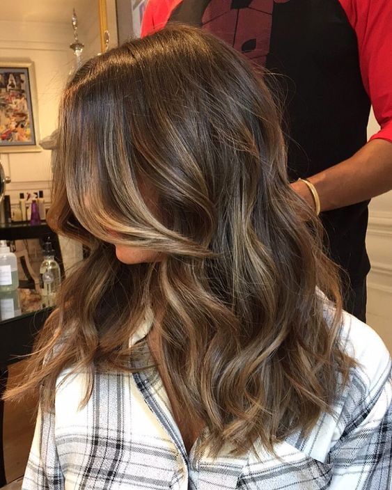 30+ Brown Medium Size with Pure Wave Coiffure Concepts That Each Vogue Ladies Ought to Attempt