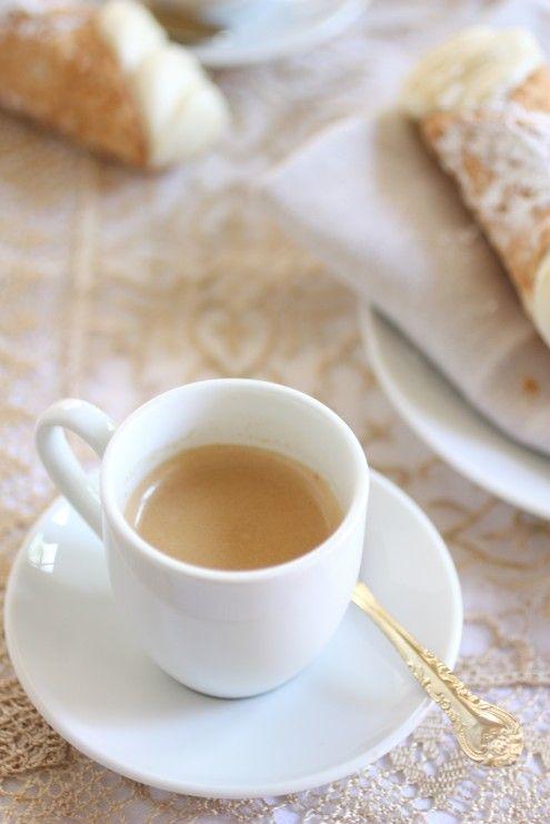 How to make authentic Italian coffee (Moka Pot)