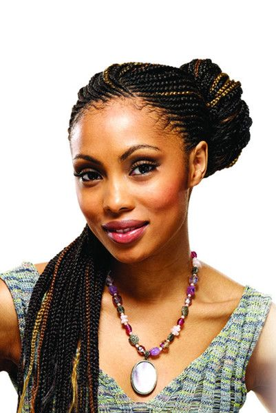 Model wearing black Expression braids with strawberry ...