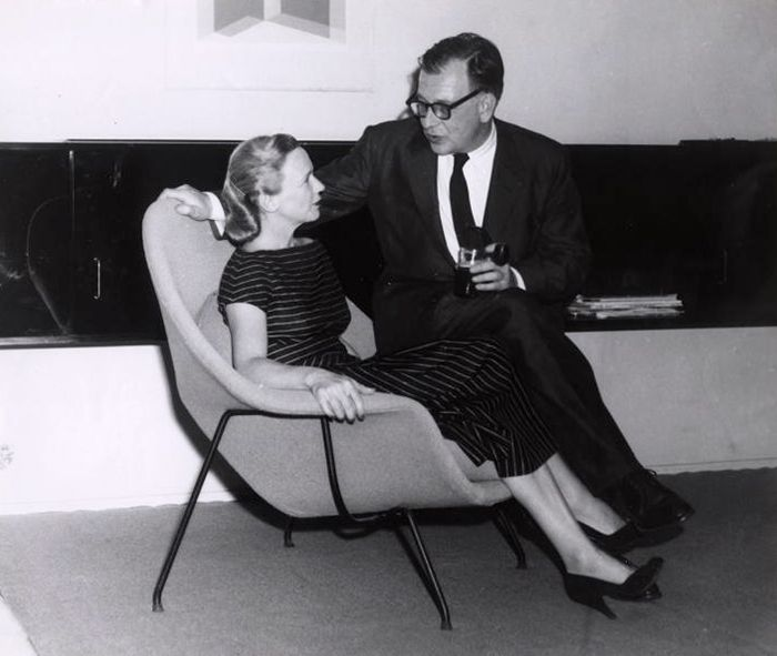 Aline and Eero Saarinen cuddle up on a Womb Chair   PC: Archives of American Art, Smithsonian Institute   Knoll Inspiration