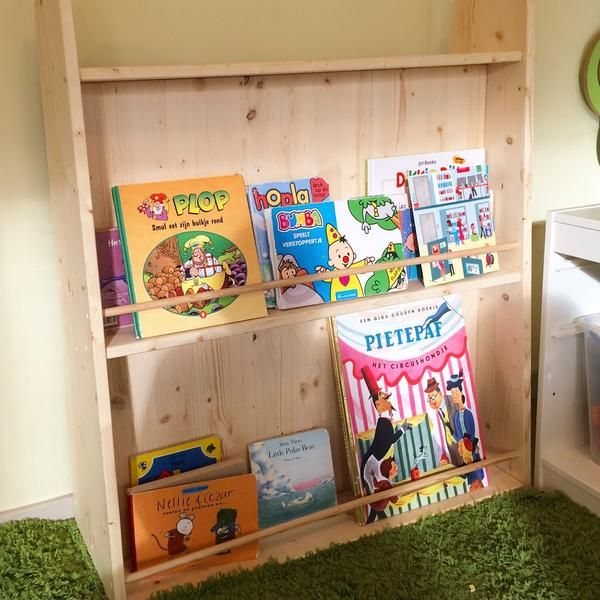 Daycare Het Venneke Added A New Manine Montessori Bookcase It S Story Time
