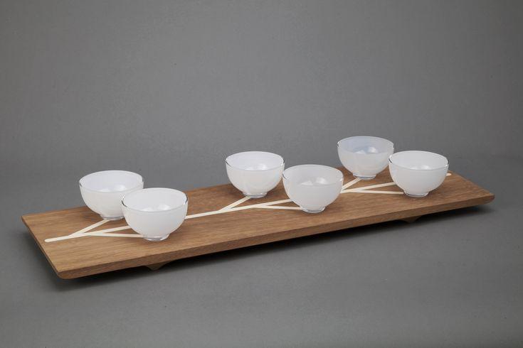 Co si pod pojmem rodinného stříbra v designu představit? Možná práce Kristýny Venturové, studentky ateliéru skla Ronyho Plesla na VŠUP. Ta nám prezentuje design, který vytváří důležité hodnoty, nebojí se emocí, pracuje s tradicí, ale snaží se o inovaci.