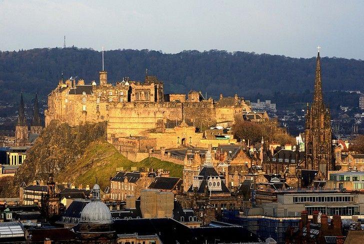 1. Эдинбургский замок