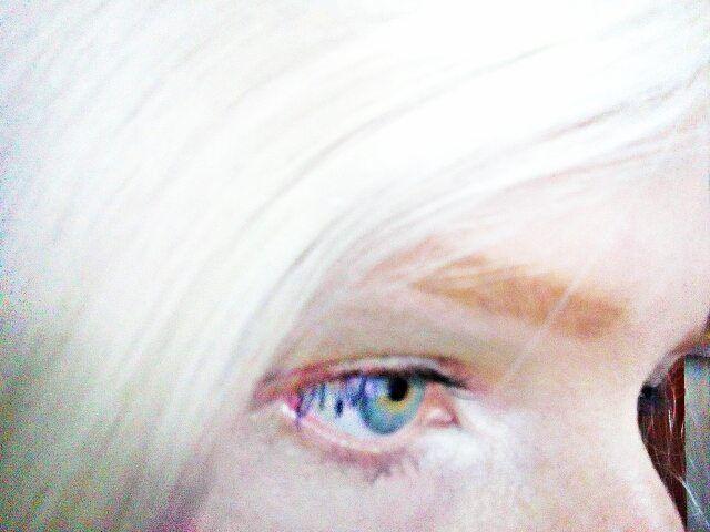 Таня Румянцева, Tanya Rumyantseva, альбинос, девушка альбинос, желтый глаз, желтые глаза, альбинизм, глаза, глаза альбиноса, белые волосы, натуральная блондинка, albino, albino girl, yellow eyes, yellow eye, albinism, eyes, albino eyes, white hair, natural blonde, blue eye, blue eyes, gray eye, gray eyes, light eyes, bright eyes, яркие глаза, красивые глаза